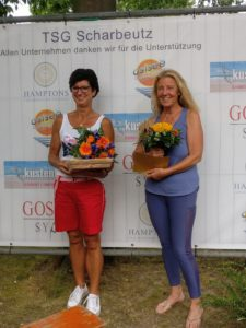 Uschi Blume (rechts) bei der Siegerehrung